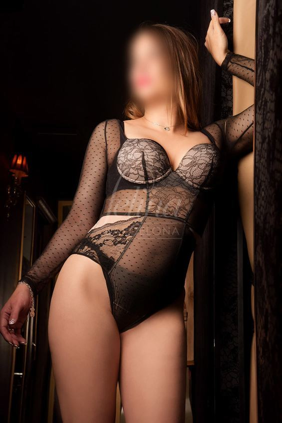 Blonde VIP Spanish sex worker in erotic lingerie in Barcelona: Marta