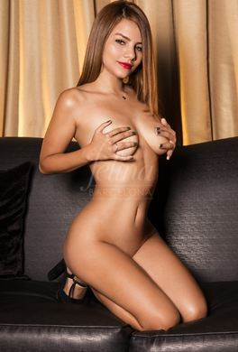 Young blonde escort for Girlfriend Experience and much more...