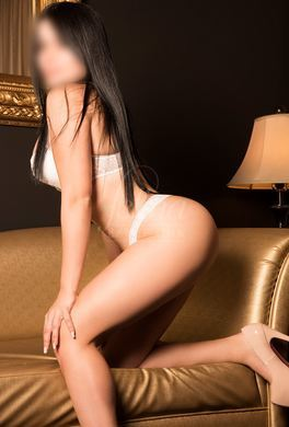Colombian escort for couples