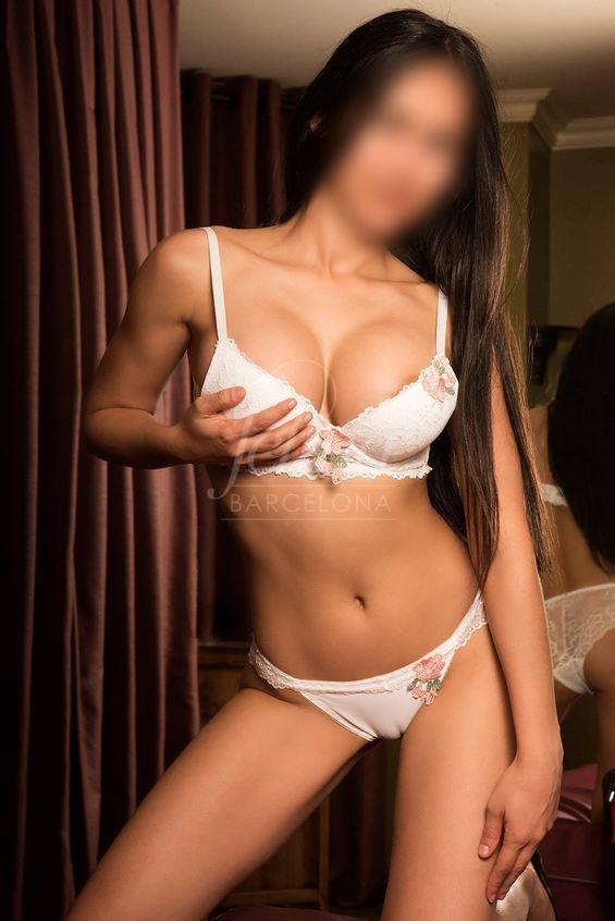Barely legal escort in Barcelona for wild sex and oral sex, in lingerie, Patty